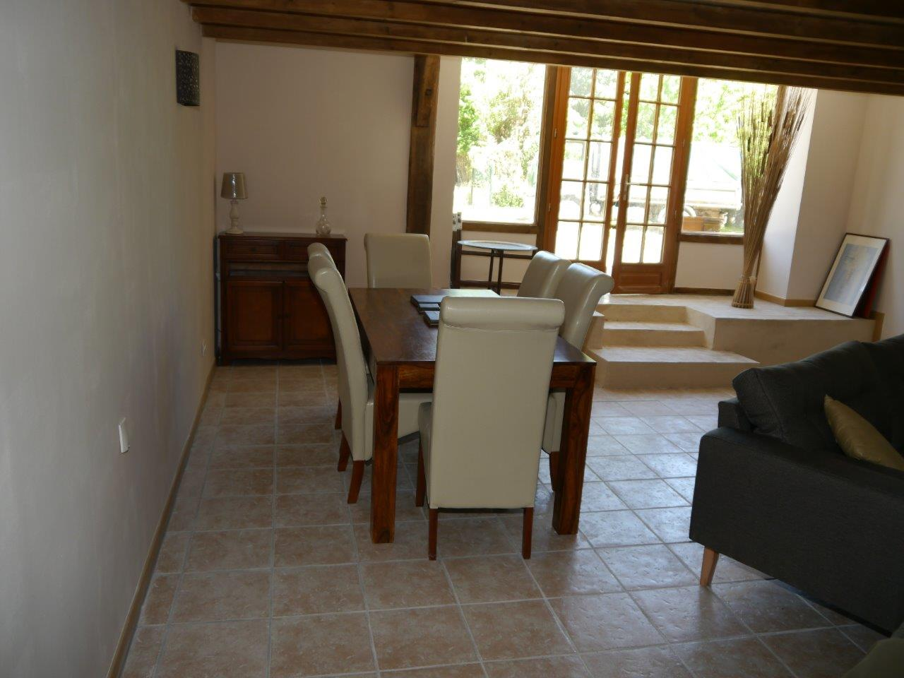 Dinning Room Table and Gite Entrance(1)
